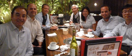 Aegon employee Sheau out for dinner during an international assigment in Japan